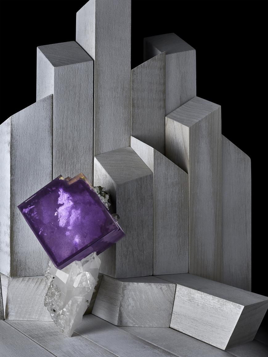 Contrast Exhibition - Fluorite