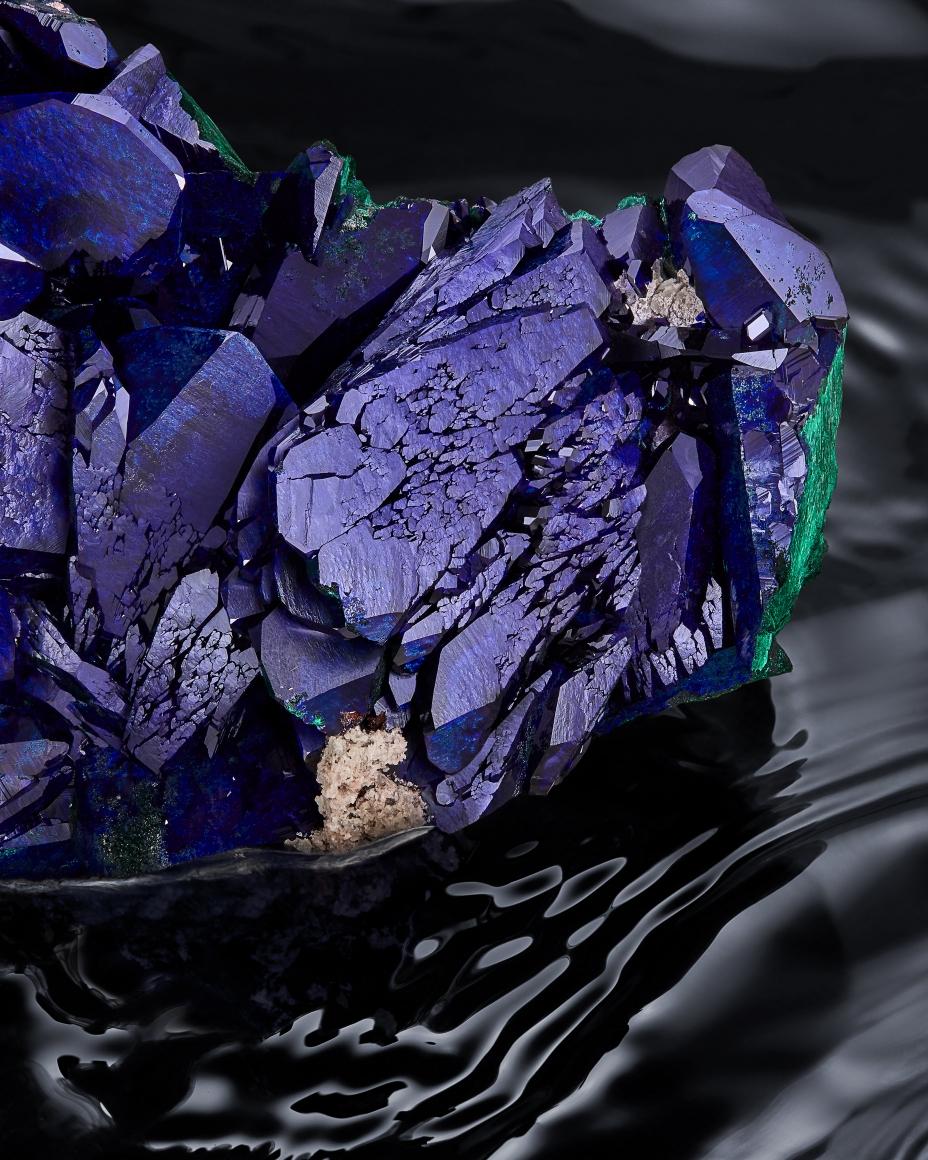 Azurite detail in water
