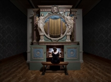 """Ragnar Kjartansson debuts new commission """"The Sky in a Room"""""""
