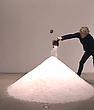 Dove Bradshaw: Negative Ions-installation 2014