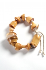 Anna Rikkinen, contemporary jewelry, Finnish, Dutch, Wood