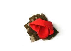 aaron deck, brooch, fiber, red