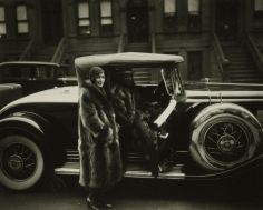 James Van Der Zee - Couple in Racoon Coats, 1932 - Howard Greenberg Gallery