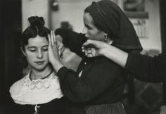 Inge Morath - Navoleau, Old Castille Bridesmaid being coiffed, 1955 - Howard Greenberg Gallery