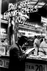Arthur Leipzig - Nathan's, Coney Island, 1967 - Howard Greenberg Gallery