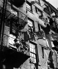 Arnold Eagle - New York, 1935 - Howard Greenberg Gallery