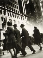 Rebecca Lepkoff - Early Morning Rush, Midtown Manhattan, 1940s - Howard Greenberg Gallery