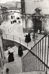 Henri Cartier-Bresson - Aquila degli Abruzzi, Italy, 1952 - Howard Greenberg Gallery