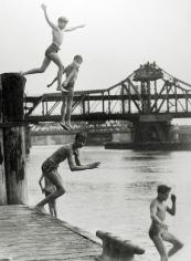 Harold Roth - East River Divers, 1950 - Howard Greenberg Gallery