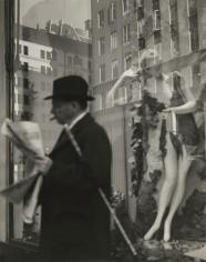 Lisette Model - Window, Bonwit Teller, New York, c.1939 - Howard Greenberg Gallery