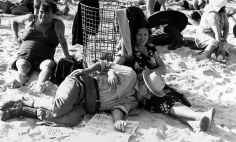 Dan Weiner - Coney Island, c.1950 - Howard Greenberg Gallery