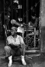 Judith Glickman - La Reina street, Manicure, Cuba, 2003 - Howard Greenberg Gallery