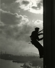 Bedrich Grunzweig - Human Fly, U.N. Window Washer, 1950- Howard Greenberg Gallery