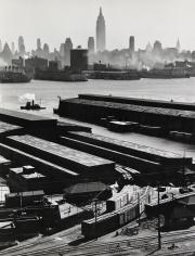 Esther Bubley - Weehawken, New Jersey, 1946 - Howard Greenberg Gallery