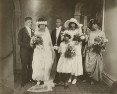 James Van Der Zee - Wedding Party, 1923 - Howard Greenberg Gallery