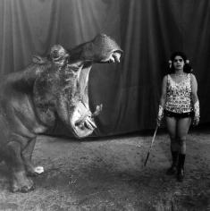 Mary Ellen Mark: Indian Circus 2009 howard greenberg gallery