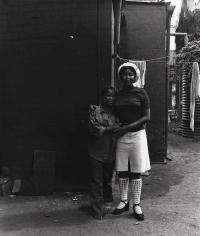 David Goldblatt - Untitled (two women and hanging laundry), c.1972 - Howard Greenberg Gallery