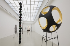 Eva Rothschild, Installation view: Hot Touch, Kunstverein Hannover, 2011