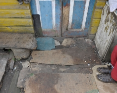 Stephen Shore, Elka Seltzer's Front Door, Ovruch, Ukraine, July 31, 2012