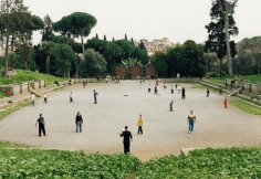 Distanz, Fussballplatz, 2004
