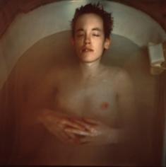 Ryan in the tub, Nan Goldin, 1976