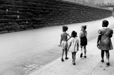 Helen Levitt NYC bubbles