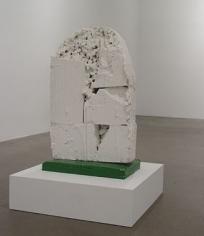 GREGOR SCHNEIDER Grabstein Totes Haus Ur, Rheydt, 2000