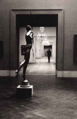 Elliott Erwitt, Metropolitan Museum, New York, 1949, 16 x 20 inch Gelatin Silver Enlargement Print, Signed in ink recto. Signed, dated and titled in pencil on verso