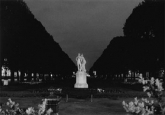 Embracing Statue, Paris, 1999