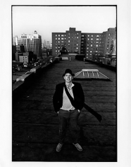 Ugo Mulas Claes Oldenburg on the roof of 404 East 14th St, NYC,