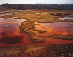 Edward Burtynsky, Nickel Tailings No. 36, Sudbury, Ontario 1999, Chromogenic color print, 40 x 60 inches