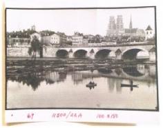 Henri Cartier-Bresson, Untitled (Paris Bridge), 1969