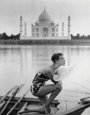 Norman Parkinson, A Bird's Eye View of Our Visit to India: Anne Gunning at the Taj Mahal, 1956