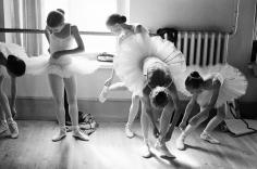 Arthur Elgort, Getting Ready: Vaganova School of Ballet, St. Petersburg, Russia 2001