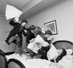 Harry Benson Beatles Pillow Fight II, Paris, 1964