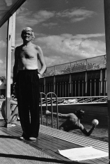 Helmut Newton, David Hockney, Piscine Royale, Paris, France, 1975