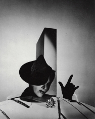 "Horst P. Horst, ""I Love You"", Lisa Fonssagrives with Hat by Balenciaga and Gloves by Boucheron, Paris, 1938"