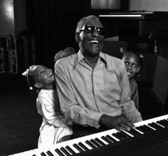 Harry Benson, Ray Charles and Granddaughters, Los Angles, California, 1991