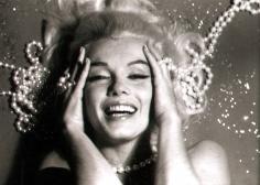 Bert Stern, Marilyn Monroe: From The Last Sitting, 1962 (Pearls, hands on head)