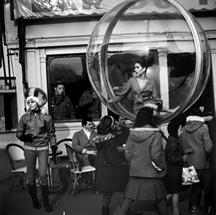 Melvin Sokolsky, Ali Du Taxi, Paris, 1963