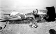 Jacques-Henri Lartigue, Chou Valton, Plage de la Garoupe, Cap d'Antibes, 1932