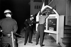 Harry Benson, Watts Riots, Los Angeles, California, 1965