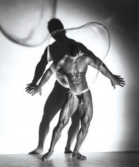 Herb Ritts, Male Nude with Bubble, Los Angeles, 1987