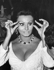 "Ron Galella, Sophia Loren at the premiere of ""Dr. Zhivago"", New York, 1965"
