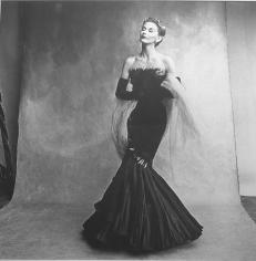 Irving Penn, Lisa Fonssagrives, Paris Collection, Vogue, September 15, 1950