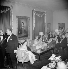 Slim Aarons, Kitty Miller's New Year's Eve Party: Mrs. William Randolph Hearst, Elsa Maxwell, and friends, 1953