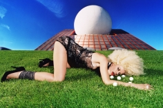 David LaChapelle, Pharmaceutical Giant, 2002