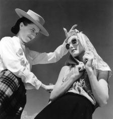 Louise Dahl-Wolfe, Diana Vreeland with Bijou Barrington, 1942