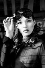 Stephanie Pfriender Stylander, Kate Moss (Eyes Wide Open), New York, Italian Harper's Bazaar, 1992