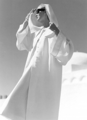 Louise Dahl-Wolfe, Natalie in Gres Coat, Kairouan, 1950